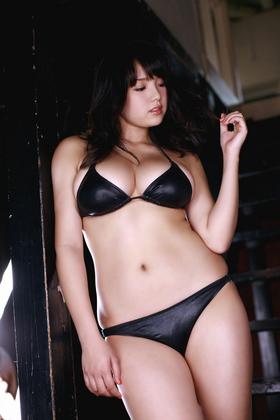 篠崎愛 画像